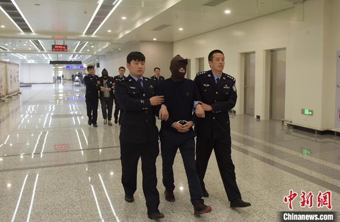 加强境外追逃  中国最高检完善检察环节缺席审判诉讼程序