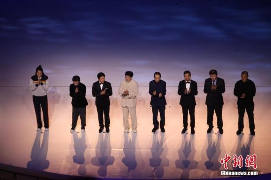11月19日晚,第28届金鸡百花电影节在福建厦门开幕。图为开幕式现场。中新社记者 李思源 摄