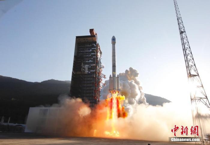 资料图:北京时间2019年11月23日8时55分,中国在西昌卫星发射中心成功发射第50、51颗北斗导航卫星。 高楠 摄
