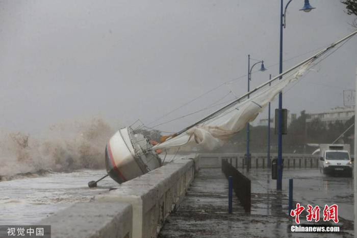 当地时间2019年11月23日,法国东南部受强降雨影响,引发洪涝灾害。 图片来源:视觉中国