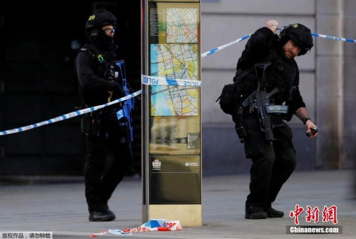 11月29日,英国伦敦发生持刀行凶恐袭事件,造成2人死亡,嫌疑人被警方击毙。