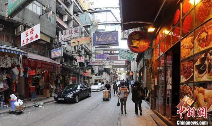 香港警方:过去一周社会气氛相对和平 无使用任何弹药