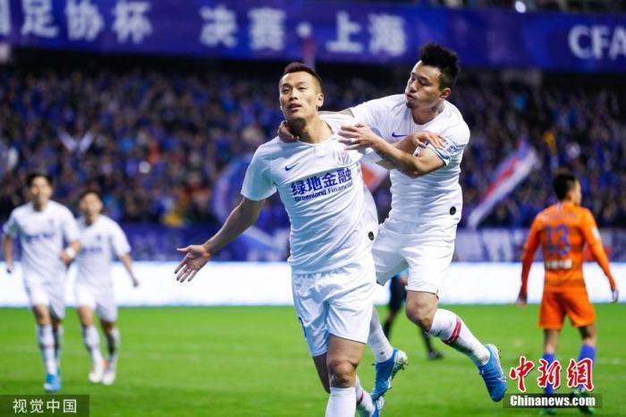 资料图:上赛季帮助申花拿下足协杯冠军的金信煜,本赛季遭遇长期伤缺。