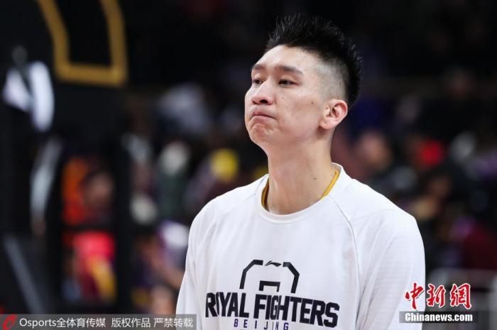 曾与吉喆为北京首钢球队队友的孙悦在赛前难掩悲痛神情。图片来源:Osports全体育图片社