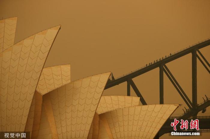 林火加剧悉尼空气质量愈发恶劣 口罩货架被洗劫一空