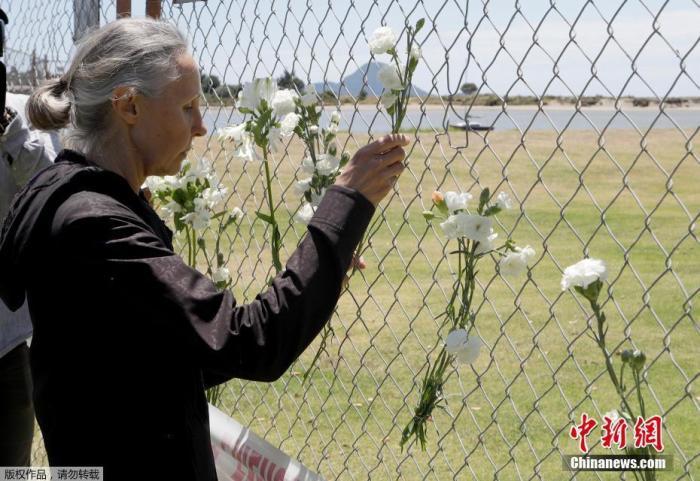 除遇難者和失蹤者外,共有34人從懷特島被帶回,其中31人因燒傷入院接受治療。目前能夠確認身份的一名遇難者是來自新西蘭的導游。文字來源:國際在線