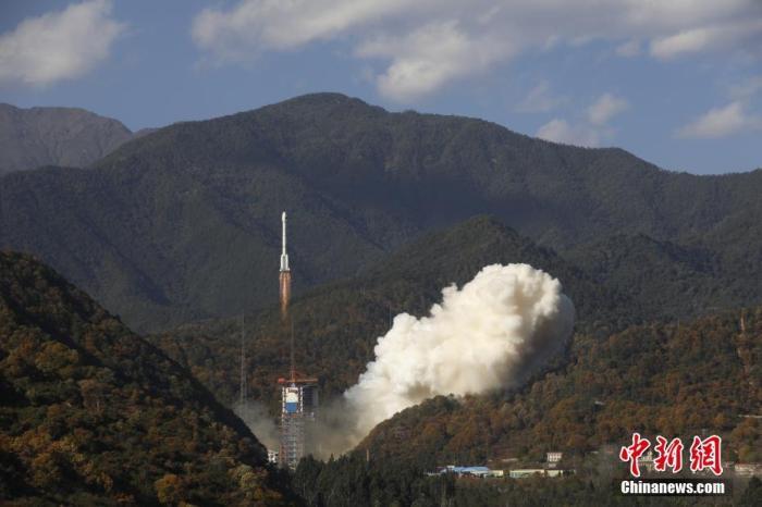 一箭双星发射成功 北斗三号全球系统核心星座部署完成