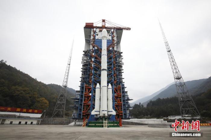 资料图:一箭双星发射成功 北斗三号全球系统核心星座部署完成。肖国军 摄