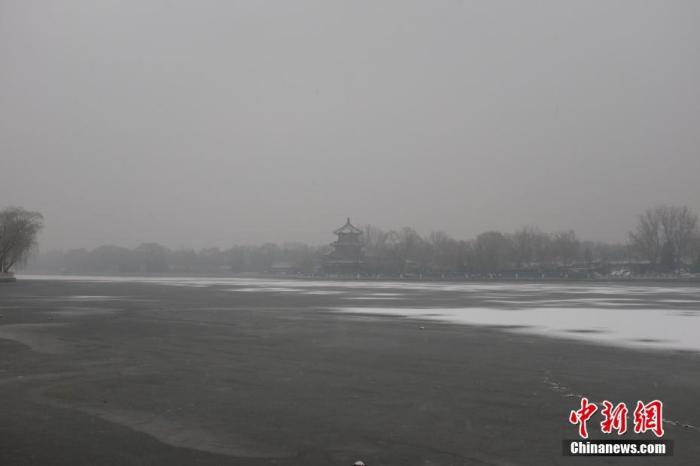 北京迎来今冬第二场雪 全市普降中雪