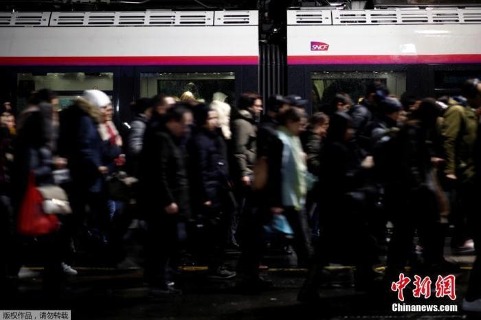 法国大罢工进入第四周 持续时间之长有望创纪录