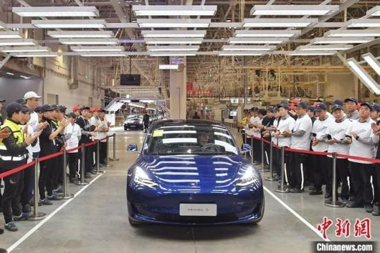 Tesla Shanghai gigafactory to use more AI, smarter software: Elon Musk