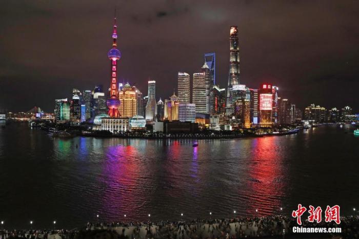 上海外滩资料图。/p中新社记者 殷立勤 摄