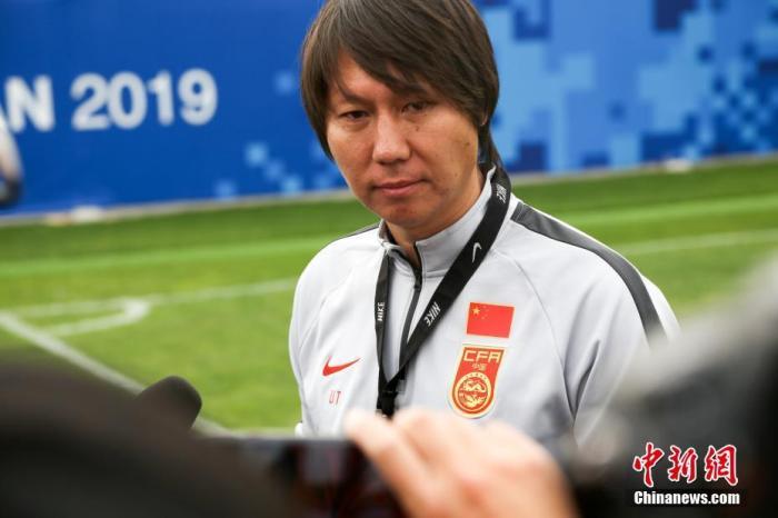 资料图:国足主练李铁。a target='_blank' href='http://www.chinanews.com/'中新社/a记者 张畅 摄
