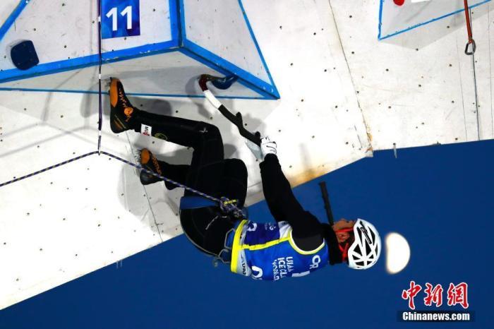 1月3日,2019-2020赛季拉斯维加斯游戏下载登联攀冰世界杯在长春莲花山生态旅游度假区主题驿站举行。本次比赛分设男女速度赛和难度赛四个项目,共有16个国家和地区的近80名运动员参赛。图为男子难度资格赛。<a target='_blank' href='http://vvsgic.com/'>中新社</a>记者 富田 摄