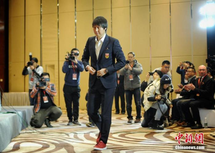 李铁在见面会上。 中新网记者 李霈韵 摄
