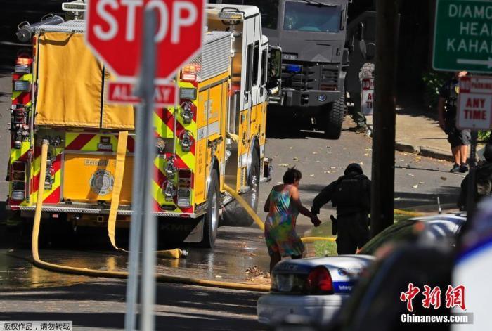 当地时间19日早上,夏威夷火奴鲁鲁钻石头地区发生枪击事件,至少有两名檀香山警察身亡。