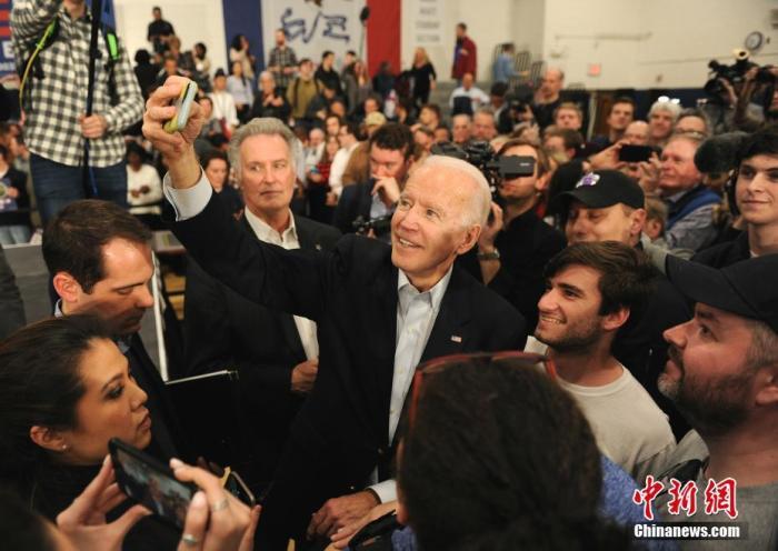 美国民主党总统竞选人拜登:与前总统奥巴马讨论潜在人选