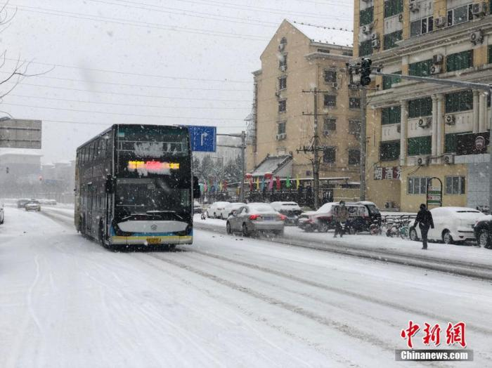 立春后北京首场降雪持续两日 6日上午降雪仍将持续