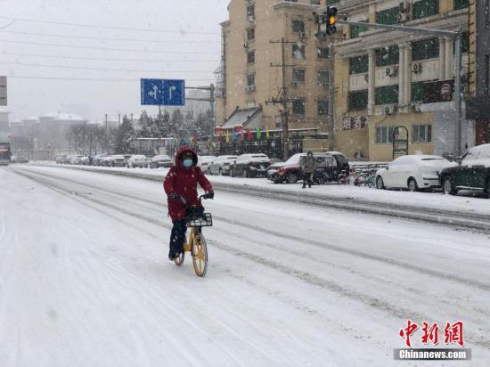 北京昨夜出现中雨 今早转雨夹雪