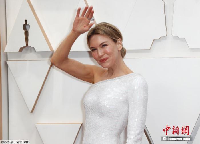 凭借《朱迪》入围最佳女主的蕾妮·齐薇格夺后呼声极高。