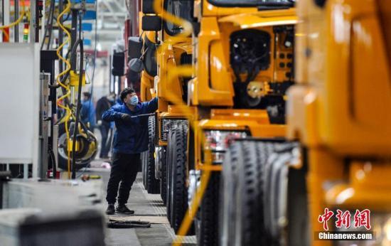 China's non-manufacturing PMI rises in June