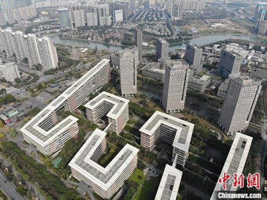 China's property investment up 3.4 pct in Jan.-July