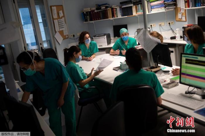 西班牙单日死亡病例再创新低 首相请求延长紧急状态图片