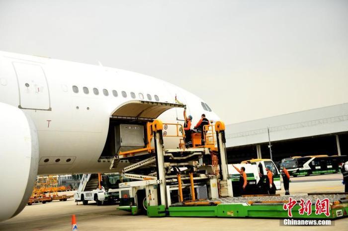 广州空港将成跨境电商全球优选地 机场保税区进出口货值逆势增长图片
