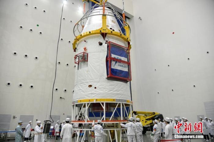 试验船采用返回舱与服务舱两舱构型,通过配置不同的服务舱模块来适应近地空间和月球探测任务。中国空间技术研究院 供图