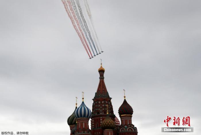 俄国防部建立防护用品储备 为举行胜利日阅兵做准备图片