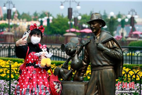 Shanghai Disneyland ticket sales surpass 100,000 in one-month recovery: online agency
