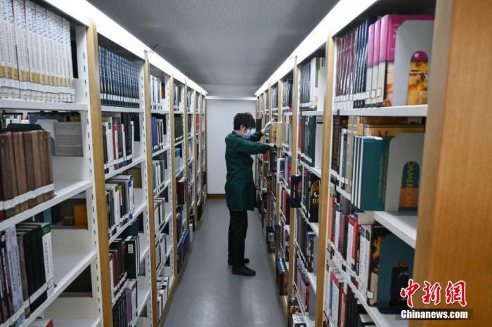 全国所有公共图书馆与90%以上博物馆已实行免费开放图片