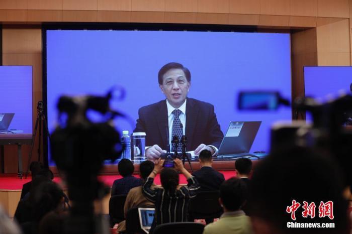 """张业遂:中国不存在什么""""隐性军费""""问题"""