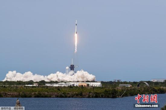 SpaceX rocket launches 60 internet satellites into space