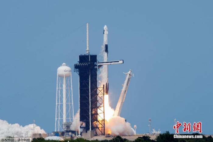 當地時間5月30日,美國宇航局(NASA)商業載人航空計劃(CPP)的首次載人試航發射。