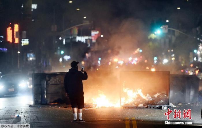 抗议示威频现抢劫等违法行为 美洛杉矶县:61人遭指控