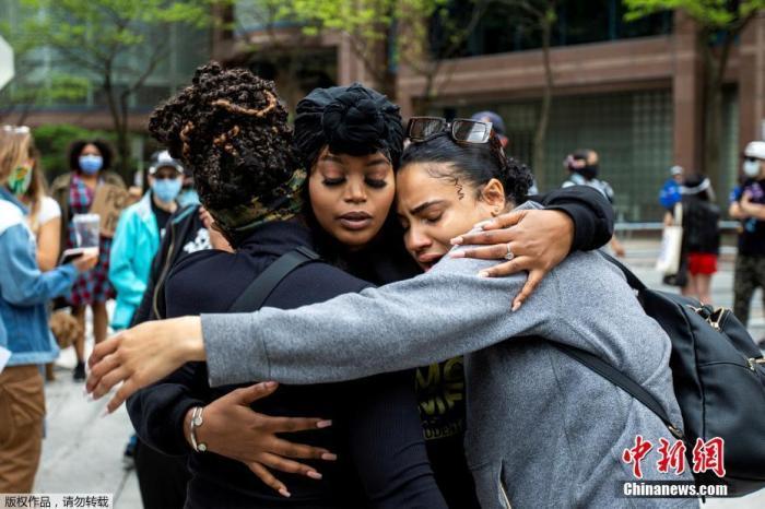 美国非裔之死唤醒伤痛记忆,示威持续延烧多国……图片