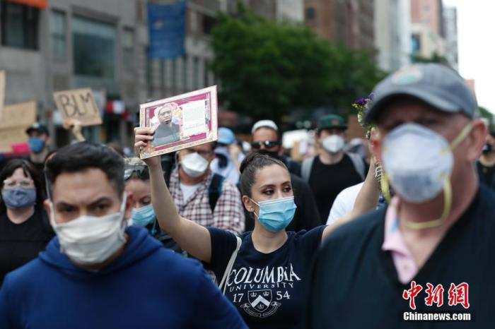 美国因示威关闭约70个病毒检测点 法国国庆阅兵取消