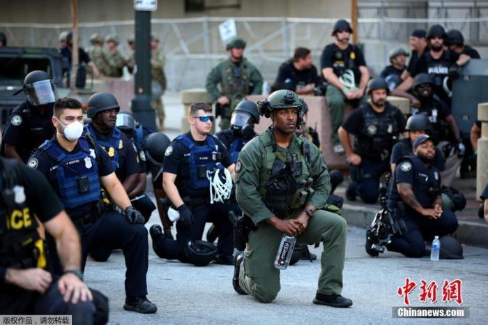 美国多州拒绝特朗普派军提议 这州终于向种族痼疾下手!图片