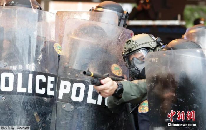 美国波特兰示威活动已持续三个月 警方再捕25人图片