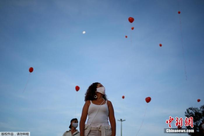 巴西累计新冠肺炎确诊病例超55.5万 死亡病例超3.1万图片