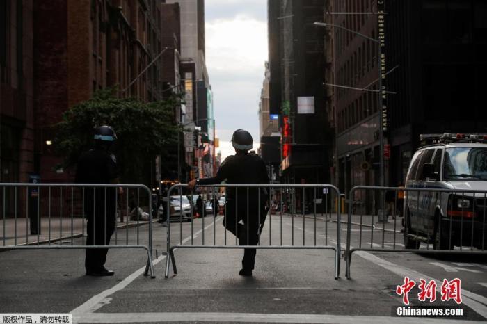 美国各地示威持续但暴力行为明显减少图片