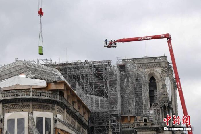 巴黎圣母院脚手架拆除工程正式展开 已延迟了近6个月
