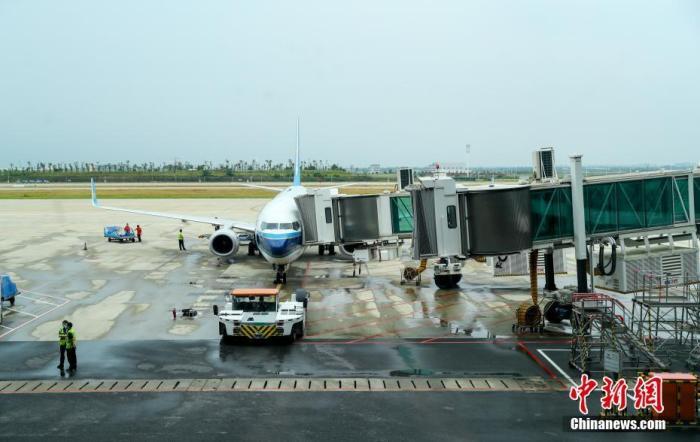 时隔138天 武汉往返北京客运航线正式复航