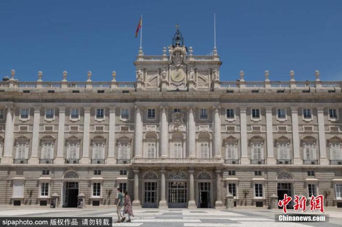 當地時間6月10日,西班牙馬德里,馬德里皇宮(The Royal Palace of Madrid)重新對公眾開放。圖片來源:Sipaphoto 版權作品 禁止轉載