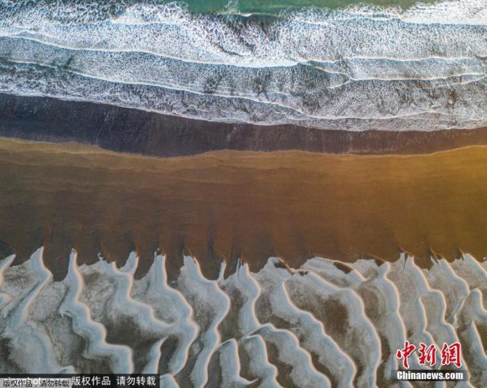"""南极""""末日冰川""""融化速度惊人令人困惑 元凶是谁?图片"""