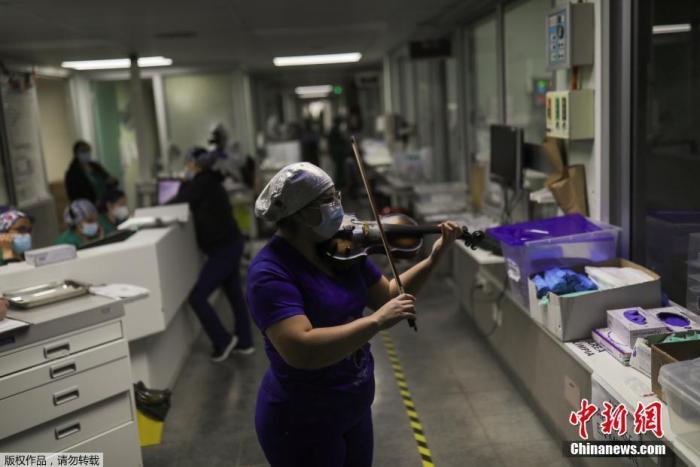 智利卫生部:智利近6万未成年人感染新冠 48人死亡图片