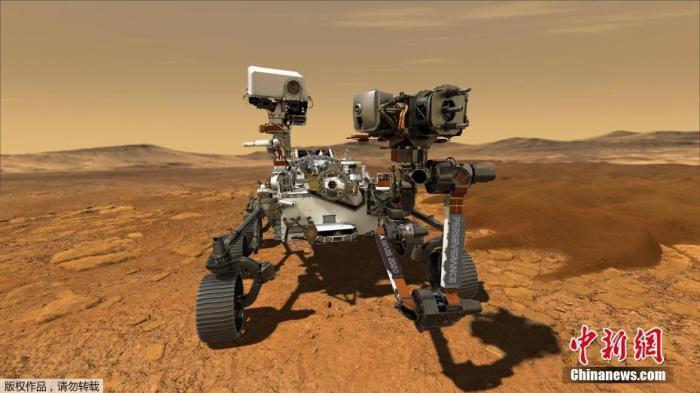 """7月16日,据香港《大公报》报道,美国国家航空航天局(NASA)将于7月30日发射""""毅力号""""火星探测器,前往火星上35亿年前曾是河流三角洲的区域,探寻古微生物的遗迹。据称,这次星际飞行将持续6个月。报道称,这个火星探测器长3米,重1吨,有19个摄像头、2个麦克风和1个2米长的机械臂。图为""""毅力""""号火星探测器效果图。"""