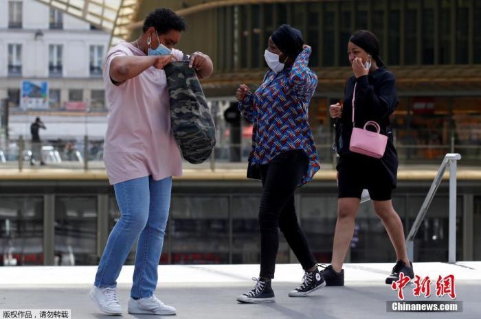 为疫情再次来袭做准备 巴黎各车站开始检测乘客体温