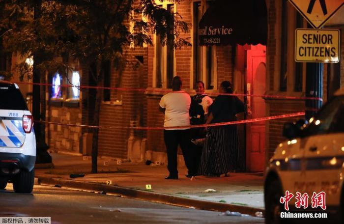 美国芝加哥犯罪率处20年低点 8月63人死于枪击图片